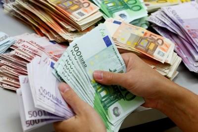money-euros-nea-2015