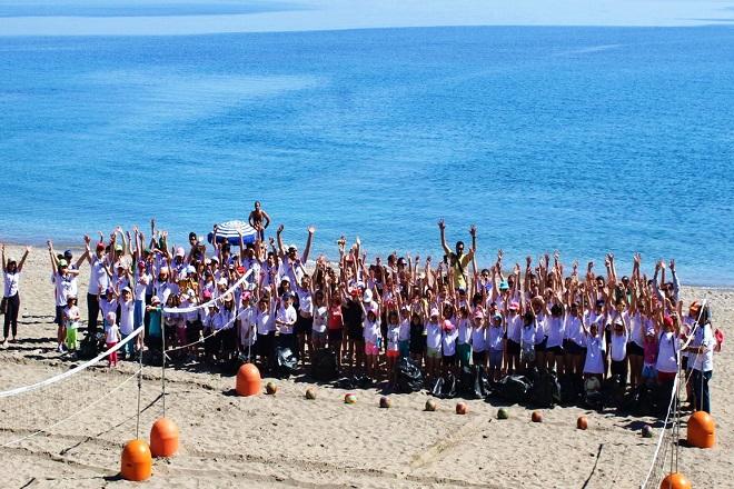 Μήνυμα ΕΟΠΕ για καθαρές παραλίες και μπιτς βόλεϊ!