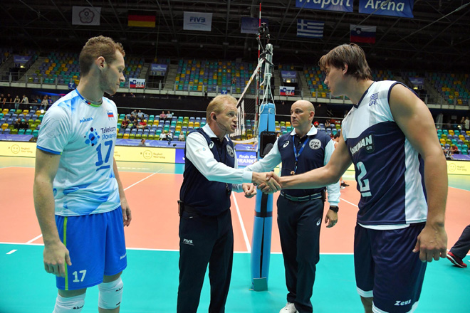 Tine Urnaut of Slovenia and Mitar Tzourits of Greece before the match