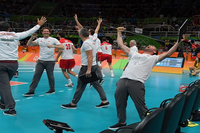 Νίκη με… 37-35 και ασταμάτητη η Πολωνία