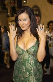 jennifer-tilly-net-worth2