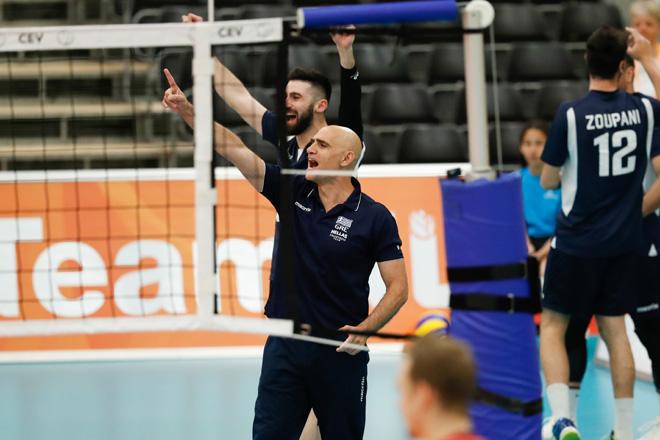 20170524 NED: 2018 FIVB Volleyball World Championship qualification, Koog aan de Zaan Konstantinos Arseniadis, headcoach of Greece  ©2017-FotoHoogendoorn.nl / Pim Waslander