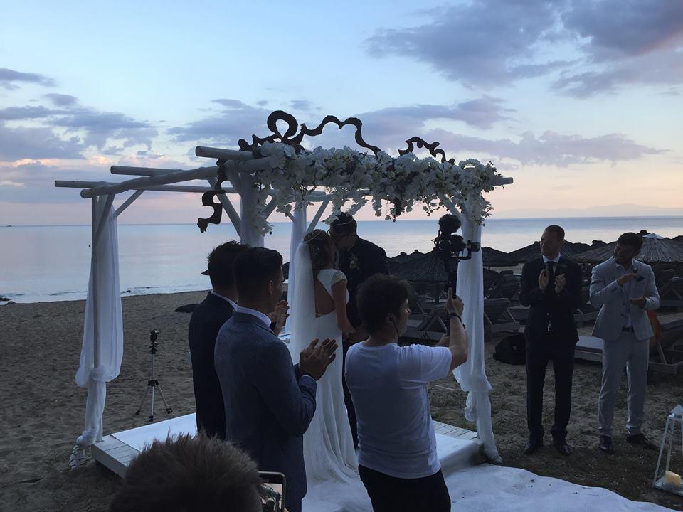 kiss_wedding_djuric