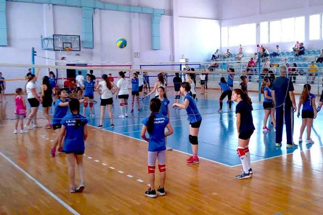 Mini volley από ΕΑΛ στη Λάρισα