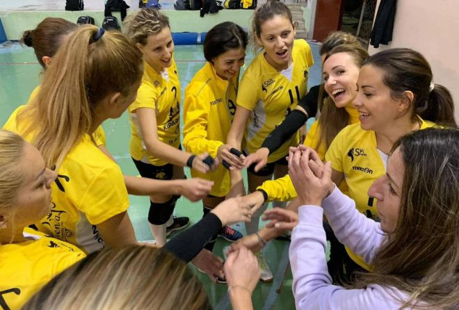 aek-vintage-volleyball-team-omada