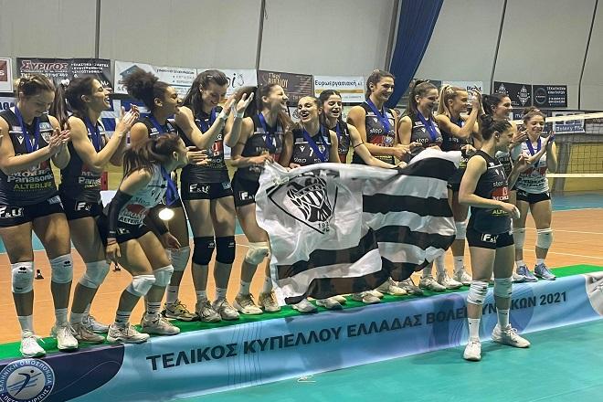 Συγχαρητήρια Καραμπέτσου και σκυτάλη στις Εθνικές ομάδες!